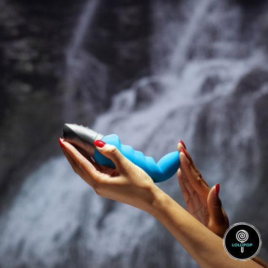 фото вибратора в женских руках